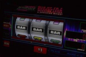 Jackpotpelit ja progressiiviset jättipottipelit